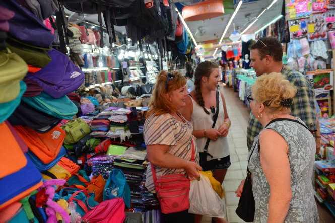 Việt Nam tiếp tục miễn thị thực cho công dân 5 nước châu Âu